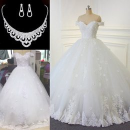 Wholesale Red Pearls Necklace - 2017 Lace Ball Gown Wedding Dresses Vintage Arabic Off-the-shoulder Beads Bridal Gowns Handmade Flowers Lace Up Wedding Gowns Free Necklace