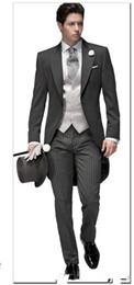 2019 maglia elegante degli uomini Tailored Elegant Bridegrom Grey tailleur smoking da cerimonia per uomo / completi da sposo (giacca + pantaloni + cravatta + gilet) maglia elegante degli uomini economici