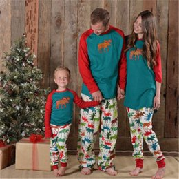 2019 papá ropa hijo Ropa familiar a juego Familia Navidad Copo de nieve Pijamas priniting Look familiar Pijamas Conjuntos Papá e hijo Ropa para madre e hija papá ropa hijo baratos