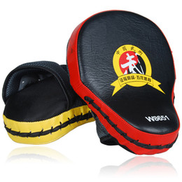 Wholesale Target Pads Boxing - Kickboxing Curved Hand Target Muay Thai Training MMA Boxing Hand Target Sandbag Punch Pads Hand Boxer Target Punching Training Bottom Price