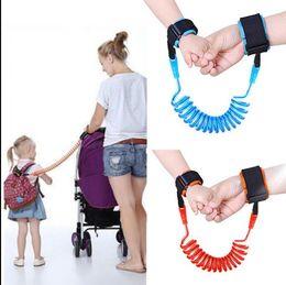 Braccialetto per bambini perso online-Bambini anti cinturino perso bambini sicurezza wristband collegamento al polso bambino imbracatura guinzaglio cinturino da polso al guinzaglio da polso a piedi 1.5 m kka1974