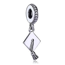 Argent sterling Graduation Cap Dangle S925 Argent Pendentif Fit Pandora Bracelet DIY Argent Bijoux Perle Accessoire ? partir de fabricateur