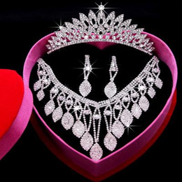 Wholesale Tiara Heart Necklace - Romantic Shining Beaded Rhinestone Bridal Tiara Necklace Earring Jewelry Sets Wedding Accessories For Wedding Evening Party