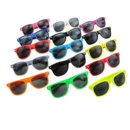 Wholesale Squared Cheap Sunglass - 100pcs Womens and Mens Most Cheap Modern Beach Sunglass Plastic Classic Style Sunglasses