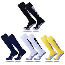 Wholesale College Accessories - 2017 free shipping adult towel bottom anti-skid anti-odor shock absorption breathable sweat soccer sports socks stockings socks high tube so