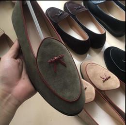 Pajarita plana online-Mocasines de cuero para hombres Zapatillas de ante negras Zapatos de vestir belgas Mocasines de hombres ocasionales Con pisos para hombres de Bowtie