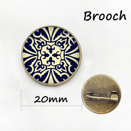 Wholesale China Brand Suits - Brand apparel metal pin Maltese cross men's suit shirts badge vintage novelty Mayan Moroccan Celtics style Pharoah brooches