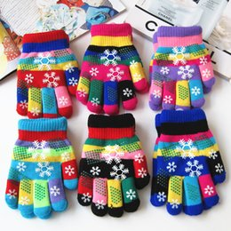 Wholesale Colorful Cotton Gloves - Wholesale- Autumn and winter kids thicken thermal yarn knitted gloves boy and girls snow print colorful gloves kids winter gloves