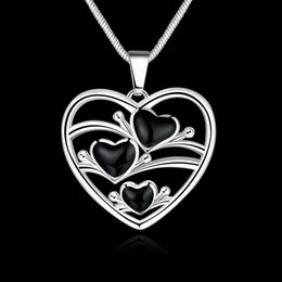 Wholesale Stainless Steel Heart Shaped Necklace - Heart-shaped Necklace Hollow Three Heart-shaped Black Glossy Silver Pendant Necklace Cute Woman Princess Wind Sweater Chain