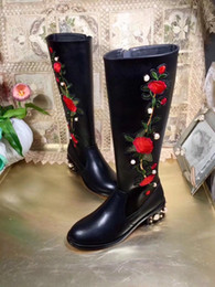 Wholesale rose zip - top quality! u810 40 41 black genuine leather rose embroidery pearl knee high flat boots fashion runway