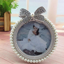 Wholesale Wholesale Baby Shower Frames - 3inch Pearl Metal Photo Frame Diamond Pearl Decoration Girl Picture Holder Baby Shower Birthday Gift Home Room Ornament ZA3701
