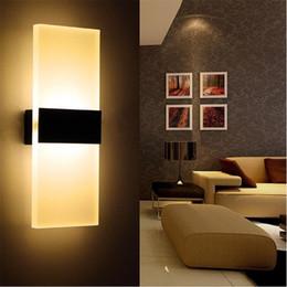 Apliques de pared modernos de iluminación online-El nuevo restaurante de cocina de las luces de la pared de aluminio de 3W 6W / los accesorios de cuarto de baño interiores del dormitorio vivo llevó las lámparas del aplique de la pared