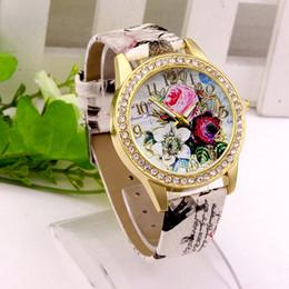 reloj rosa patrón Rebajas Reloj Moda para mujer Rhinestone Patrones de flores Vestido Reloj Hora femenina Flor de cuero Rosa Señora Vestido de cuarzo analógico Vogue Reloj Relogio