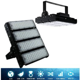 Wholesale Outdoor Light Pole Lamp - LED floodlights finned radiator 150w 200W LED flood lights IP65 waterproof high-pole lamps AC 85-265V 5 years warranty projector light