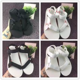 Wholesale Couples Summer Wear - Hot sales 2017 summer TEVAS fashion women's sandal shoes wear men flat shoe flats Couples sandals 36-45