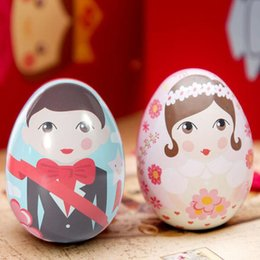 Wholesale Wholesale Gift Tins Boxes - 50pcs Egg Shape Bride and Groom Tin Box Gift Packing Candy Box Casamento Wedding Favors And Gifts Party Souvenirs ZA3579