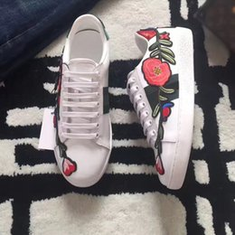 Wholesale Hard Cock - 2017 New Womens Fashion White Leather Luxury tiger Cock Love Flower Embroidered Flat Casual Shoes Lady Red Green Shoes White sneakers 35-44
