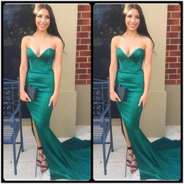 Wholesale Red Strapless Prom Dresses Slit - Elegant V Neck Emerald Green Long Prom Dresses With Side Slit Satin Mermaid Evening Party Gowns vestido fiesta