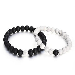 Pietra nera opaca online-Mens 8mm Beads Bracelet Natural Stone Lava Rock Bracelet Black White Matte Agate for Couples His And Hers Gift