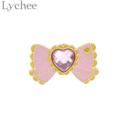 Wholesale Sailor Moon Costumes For Women - Wholesale- Alloy Japan Anime Sailor Moon Costumes Crystal Bowtie Moon Badge Tsukino Usagi Cosplay Brooch Pin Jewelry for Women Girl