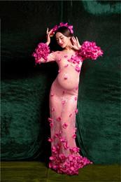 Maternidade fotografia flores on-line-Vestido de maternidade bonito Lace Flower Fairy Maternidade vestido fotografia adereços mulheres grávidas vestidos para sessão de fotos
