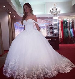 Wholesale Sweetheart Princess Wedding Dress China - Sexy Lace Ball Gowns Wedding Dresses 2018 for Women Appliques Lace Beaded Sweetheart Neck Tulle Elegant Princess China Bridal Gowns