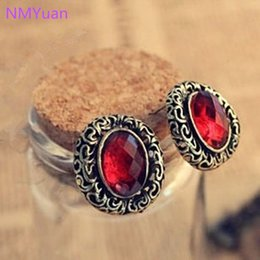 Wholesale Oval Tins - European And American Vintage Jewelry Fine Carved Hollow Oval Earrings Imitation Gemstone Jewelry Wholesale