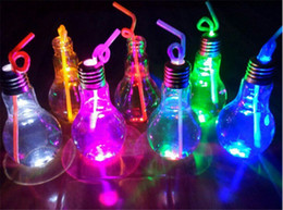 Wholesale Drinking Bottle Party - Creative Eye-catching LED Light Bulb Tea Fruit Drink Bottle with Staw Tea Shop Home Decoration for Chritmas Party