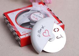 Envío gratis Una rebanada de amor cortador de pizza en caja de pizza en miniatura favorece la decoración de la boda Mejores regalos de boda, recuerdo de la boda. desde fabricantes