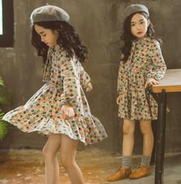 Wholesale Vintage Girls Dress Patterns - Vintage Bohemian Flower Girl Dresses Jewel Neck Long Sleeves Cotton A Line Little Girls Dress With Floral Pattern Free Shipping