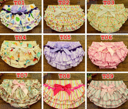 Wholesale Cute Girls Diapers - Summrer New baby cotton tassel bloomers Infant Chevron Satin Bloomers cute baby shorts girls chevron pants baby diaper cover S-M-L,for 0-2T