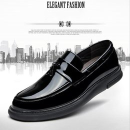 Wholesale Mens Business Casual Leather Shoes - Men's Patent Leather Shoes Business Dress Moccasins Flats Slip On New Men's Casual Shoes Dress Mens Business Shoes