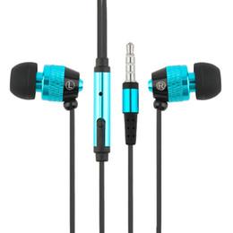 Wholesale Best Earphone Running - D9 Universal Metal Aluminum In Ear Earphone With Microphone Super Stereo Outdoor Sport Running Wired Earphones Best Gifts
