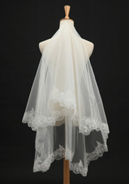 Wholesale Paloma Blanca Lace - 2016 romantic Cheap Wedding Veils Paloma Blanca Ivory White Bridal Veils Fingertip Length Tulle Lace mantilla Bridal Accessories