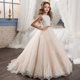 Wholesale Tull Wedding Dresses Sleeves - 2017 New Scoop Sleeve Lace Appliques Tull Flower Girl Dress With Bow Sash Girls First Communion Dress Princess Pageant Dresses