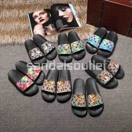 Wholesale Cover Slides - Alessandro Michele design new arrival 2017 new style mens fashion outdoor beach causal slippers flip flops Floral jacquard slide sandals