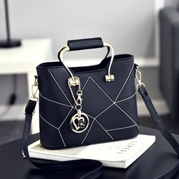 Wholesale Elegant Fashion Handbags - Women Bag Mini Elegant and Fashion Shoulder Bags Small Handbags For Ladies Feminina Woman Bags chain hanging drop