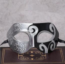 máscaras de rosto preço Desconto Menor preço Máscara de máscaras de Halloween e de Natal dos homens Máscara veneziana partido do disfarce suprimentos suprimentos máscara de plástico meia-face Cor Mix