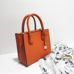 "Wholesale Brand Name Designer Leather Handbag - ""2017 New fashion women single shoulder bags tote bag Rivet simple strap leather designer handbag famous brand name"