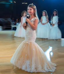 Wholesale beautiful girl photos - Cute Mermaid Flower Girl Dresses Sleeveless Lace Appliques Tulles Kid Formal Wear Beautiful Pageant Party Gowns