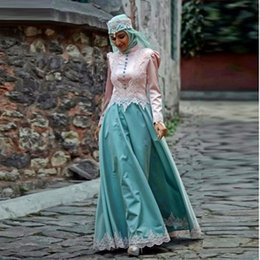 Wholesale Islamic Art Pictures - Vintage Muslim Evening Dresses 2016 Islamic Abayas Appliques Long Sleeve Arabic Kaftan with Hijab Abendkleider