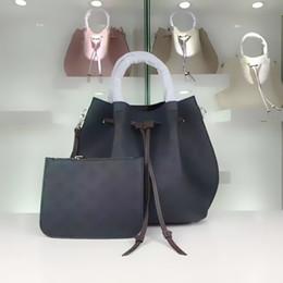2019 neueste heiße Dame hoch empfehlen L Mode Girolata Handtasche Kordelzug Frau Laser Stanzen Eimer Tasche Tote Crossbody Schulter bag54402 von Fabrikanten