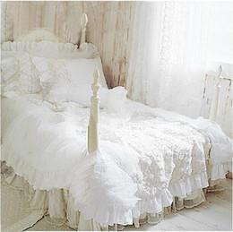 Wholesale white full bedroom set - Wholesale- Hot 4pcs set Romantic white lace rose bedding set princess duvet cover sets bedding for wedding bedding luxury bedroom textile