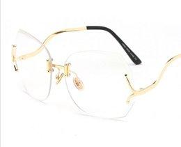 Wholesale Curved Sunglasses - 20Pcs New Brand fashion sunglasses gradient women's Classic diamond cutting frameless sunglasses Fashion lady curved mirror legs sunglasses