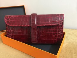 Wholesale Alligator Skin Wallet - Classic hand-grab bag of crocodile tattooed skin with the top layer of tree cream to suppress the alligator line