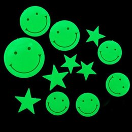 Wholesale Glow Wall Stars - New Hot Smiling Face Stars Glow in the Dark Fluorescent Plastic Home Wall Stickers MTY3
