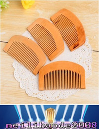 Wholesale Oil Close - 2017 new Natural peach Wood Comb Close Teeth Anti-static Head Massage hair care Wooden free shipping MYY