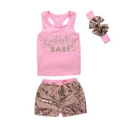 Mikrdoo Fashion Girl's Suit Pink Summer Style Neonati Vestiti per ragazze Cotton BABE Top stampati + Pantaloni con paillettes + Fascia Top Outfits 3Pcs cheap clothing babes da abbigliamento bambini fornitori