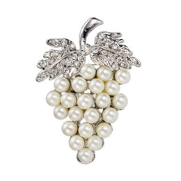 Wholesale Crystal Grape Wholesale - Silver plated crystal diamante Cream Pearl Grape shaped brooch pin