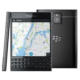 Обновленные мобильные телефоны qwerty онлайн-Восстановленный оригинальный Blackberry паспорт Q30 разблокирован сотовый телефон 4.5 дюймовый четырехъядерный 2,2 ГГц 3 ГБ оперативной памяти 32 ГБ ROM QWERTY клавиатура бесплатная DHL 1 шт.